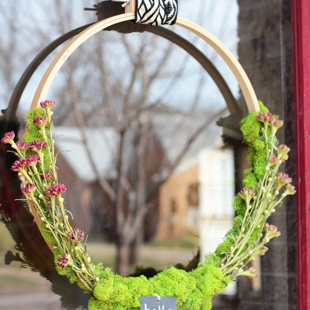 A Modern Spring Wreath Tutorial