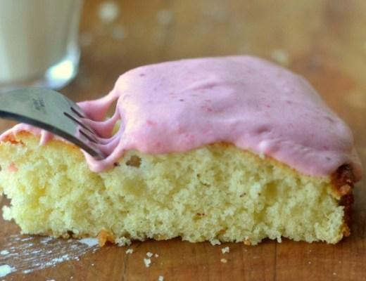 vanilla bean cake with strawberry buttercream 5