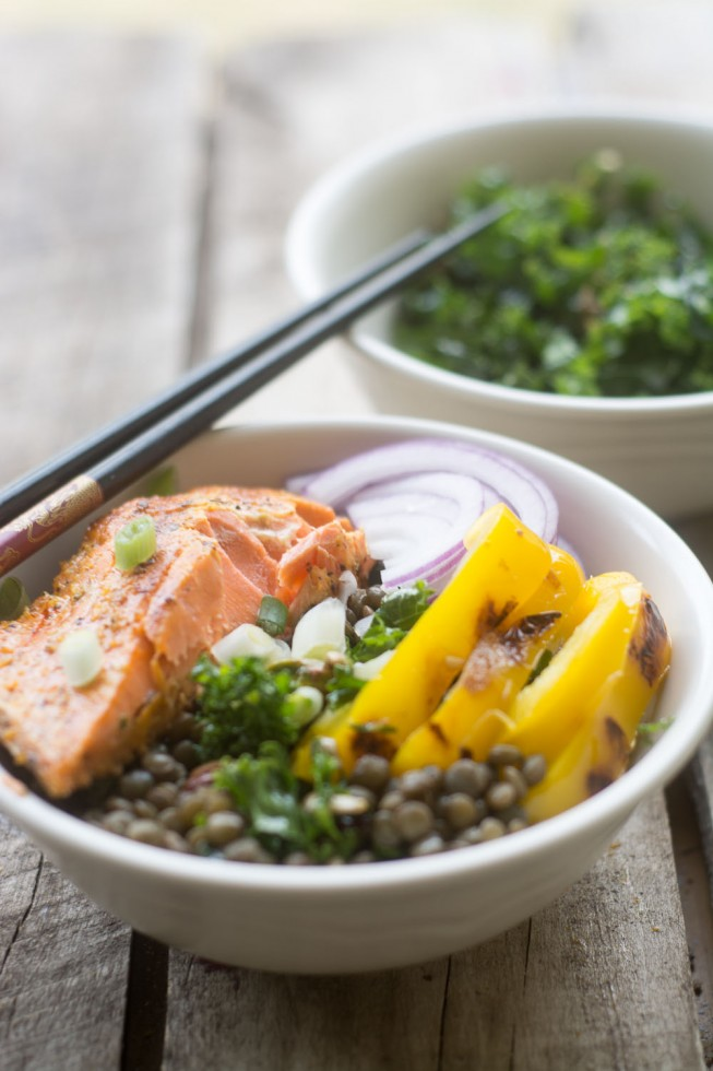Salmon with Kale and Lentils is an easy and healthy 30 minute meal