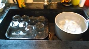 keeping jars hot