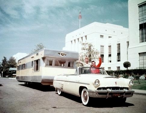 longlongtrailer-trailer