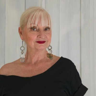 AGELESS STYLE with MARLEAH LEVEY