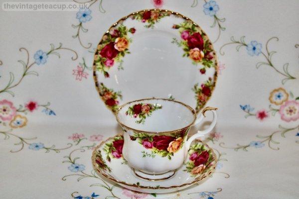 Royal Albert Old Country Roses Trio
