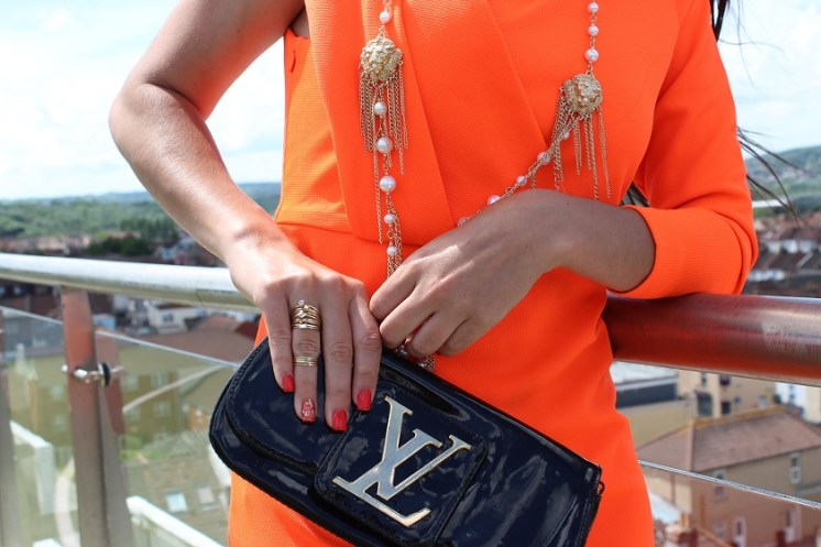 Black clutch to finish the look