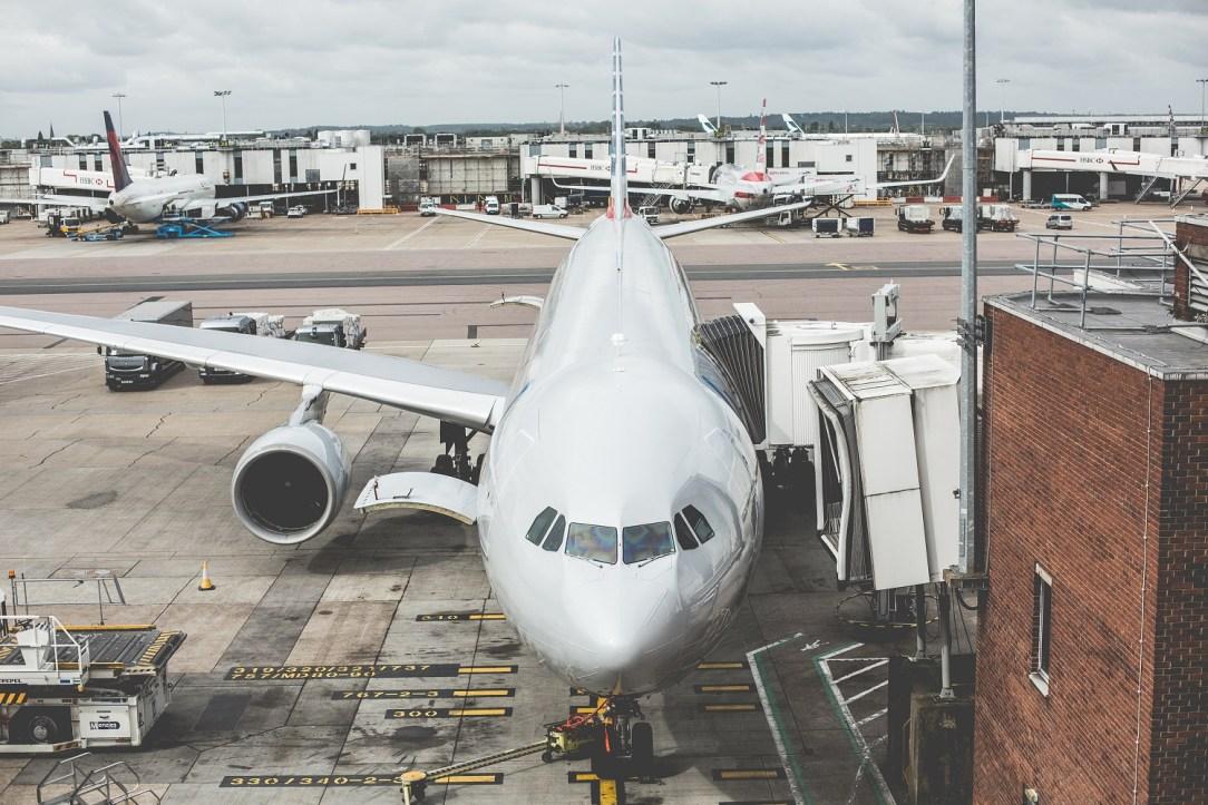 airplane-airport-picjumbo