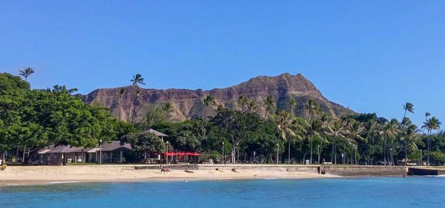 diamon head crater from the beach waikiki honolulu hawaii