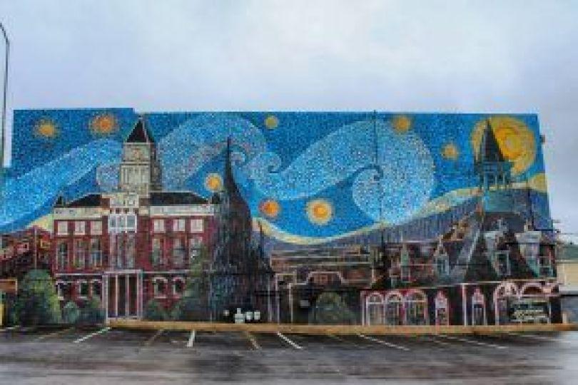 Starry Night Clarksville Mural