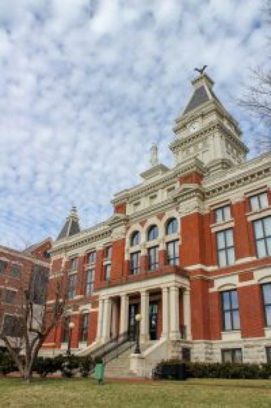 historic courtshouse clarksville