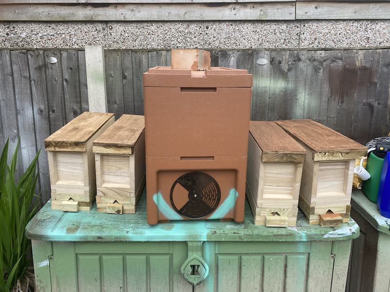 assorted nucleus hives