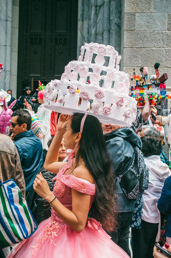wedding cake easter bonnet at 5th avenue easter parade nyc