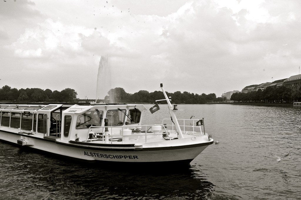 Alster lake boat tour