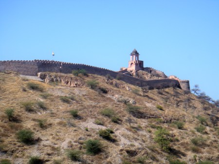 amer-fort-from-road-jaipur