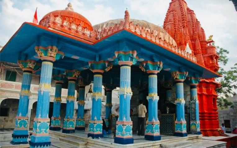 things to do in Pushkar | brahma-temple-red-walls-pushkar