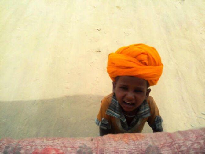 things to do in Pushkar | kid in desert