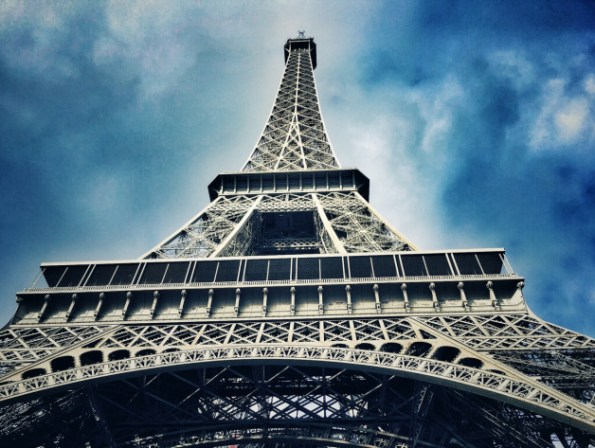 Eiffel Tower Paris France Europe | The Wandering Core | Travel | Paris Travel | France Travel | Europe Travel | Travel Tips | Paris |