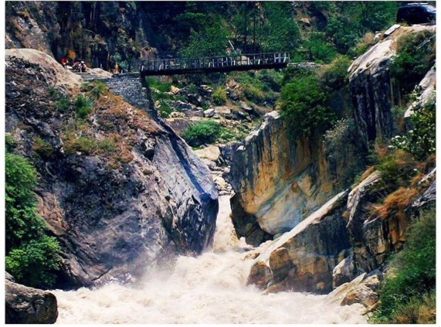 Bridge in Kasol Valley || Kasol Himachal Pradesh India || Kasol Valley || Kasol Manali || Kasol Valley travel || Kasol India || Parvati river || #wanderingcore #travel #kasol #kasolvalley #himachalpradesh #india #asia #manali