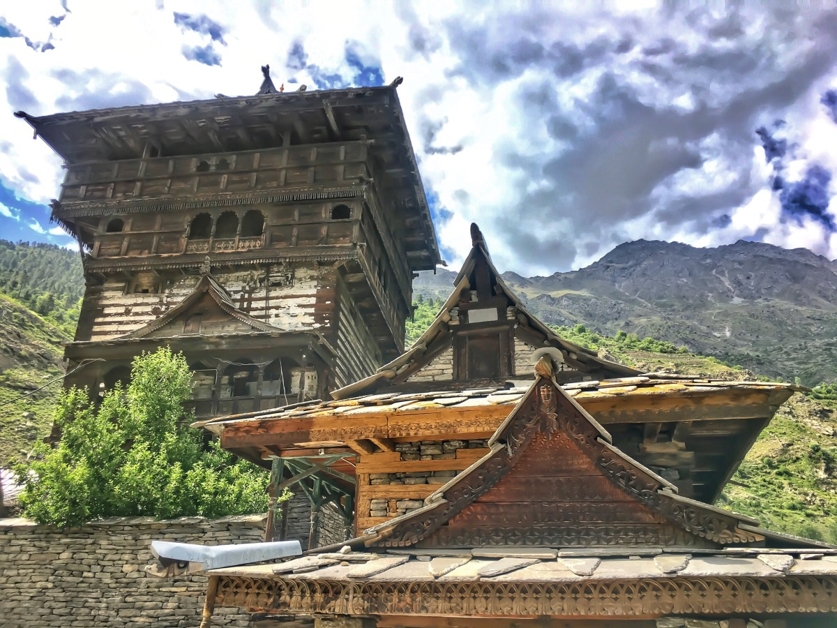 An uphill walk to Kamru Fort, Sangla Valley - Himachal Pradesh, India