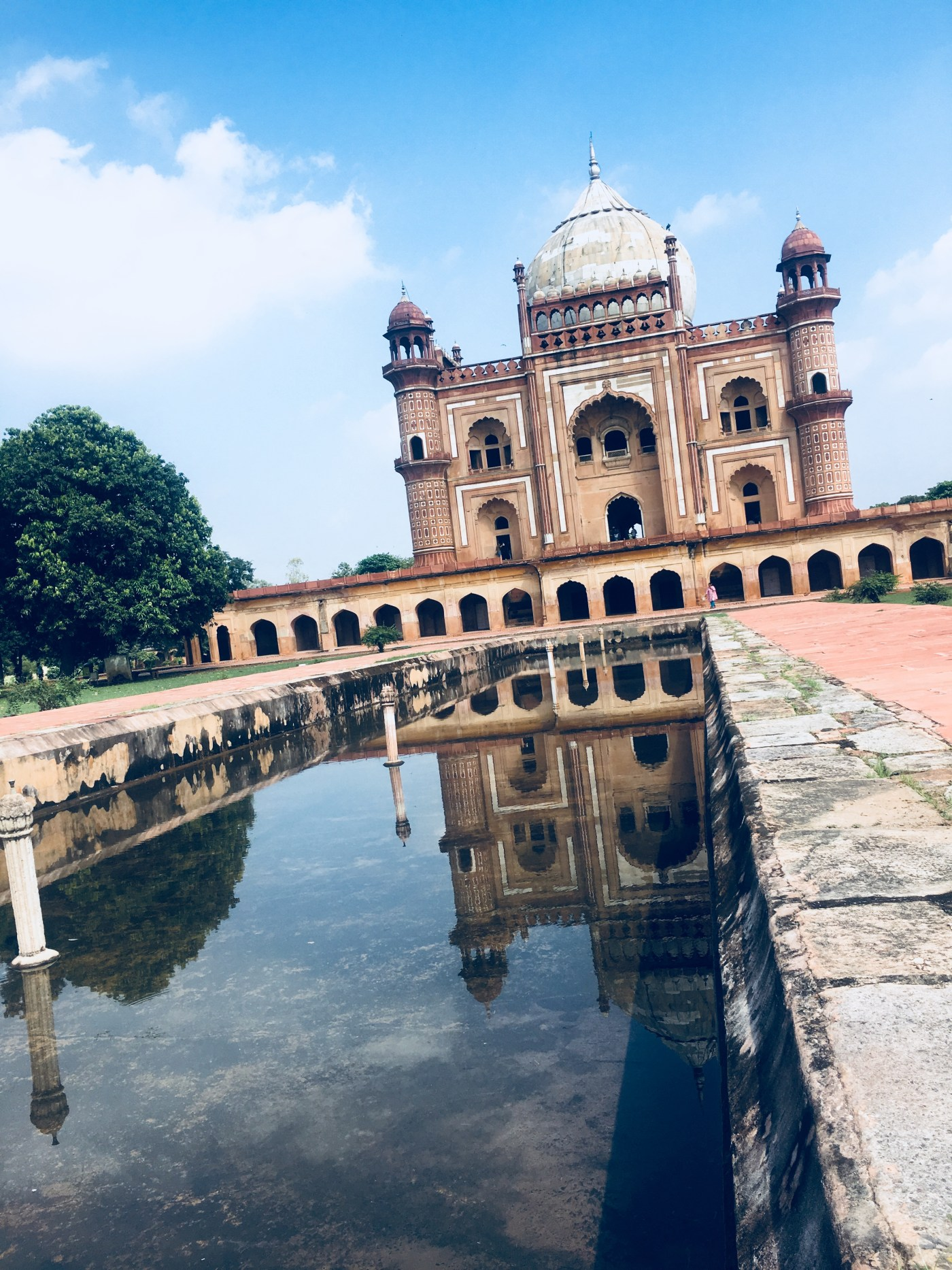 Safdarjung Tomb from water channel