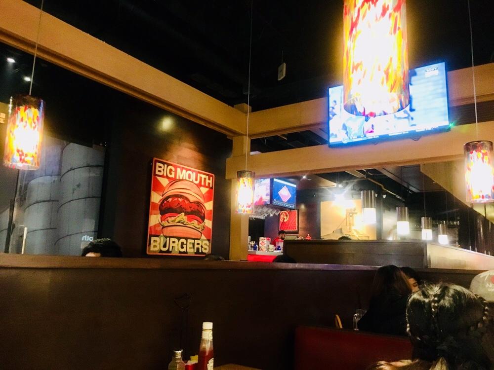 Chili's Grill and Bar Delhi Review Chilis decor Delhi India