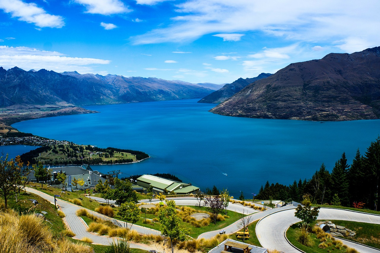 lake-wakatipi-queenstown-newzealand | Places to visit before I die | places to visit before you die