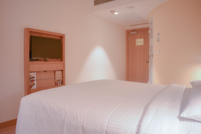 IBIS room with TV