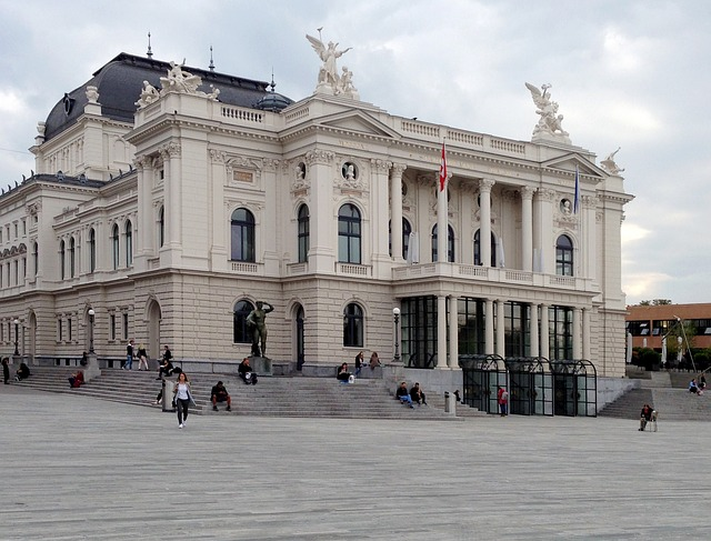 zurich-opera-house-2213766_640