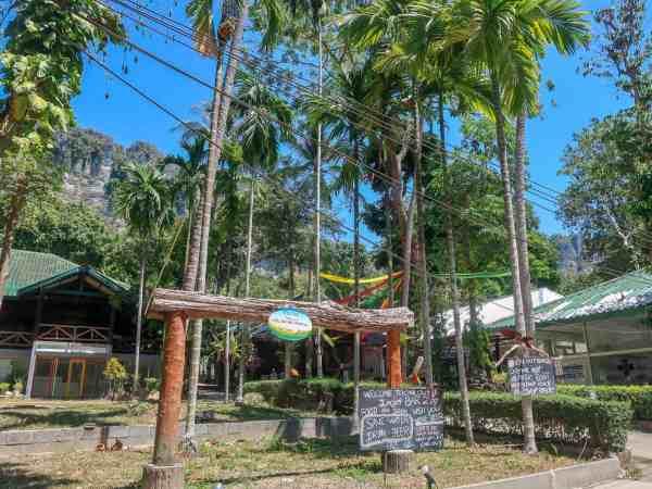 tonsai beach accommodation krabi thailand