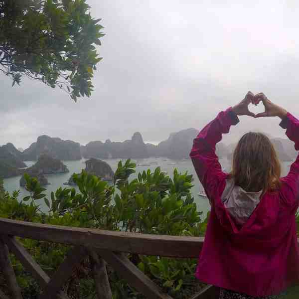 vietnam must see places halong bay