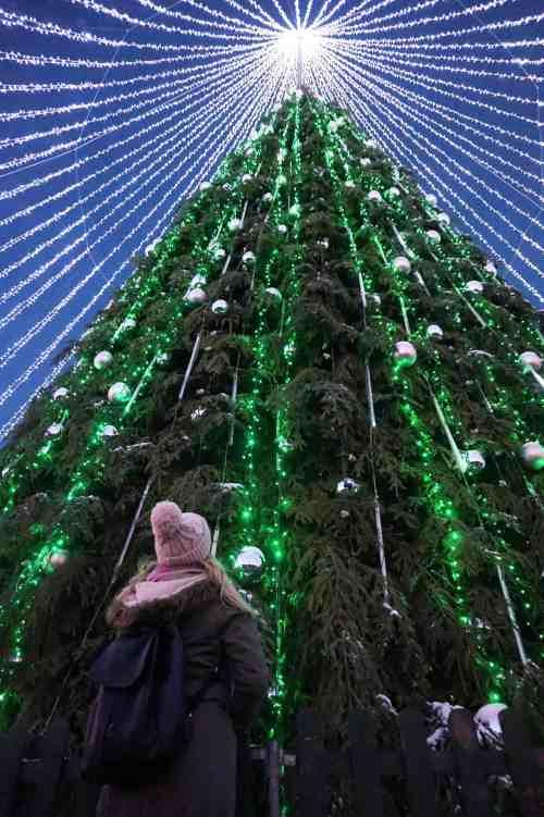 Vilnius Lithuania guide christmas markets girl