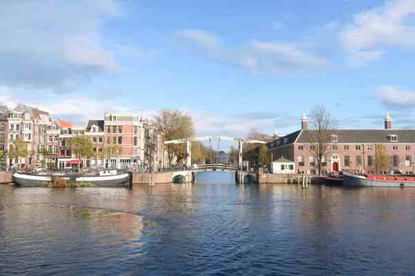 one day in Amsterdam solo, amstel river