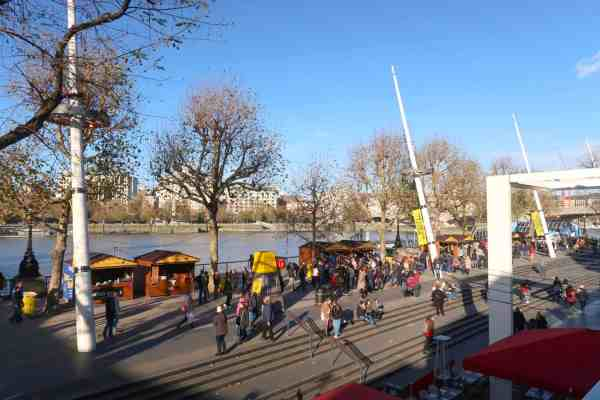 Christmas London Guide Walk southbank markets