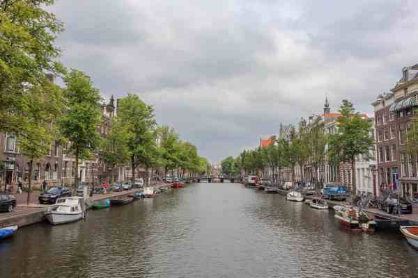 Amsterdam Central to Rijksmuseum, Amsterdam canal