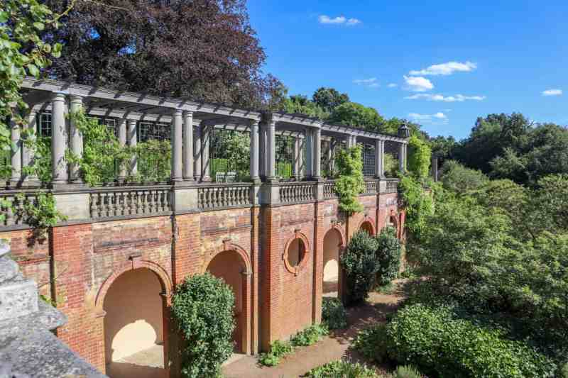 Things to do in Hampstead Pergola Garden and hill