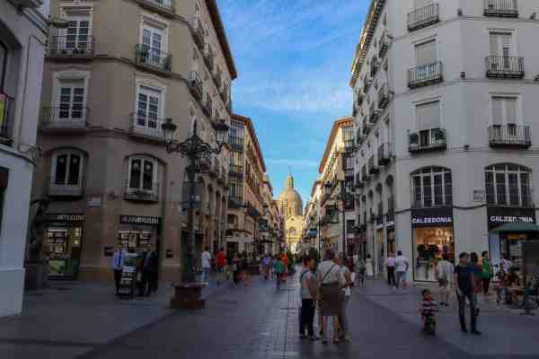 guide to Zaragoza spain calle alfonso