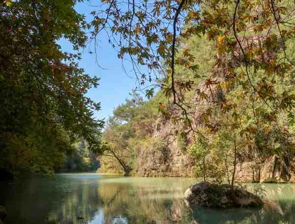 explore lebanon tours day trip hiking to Chouwen