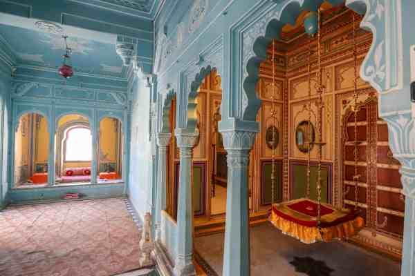 Udaipur City Palace inside