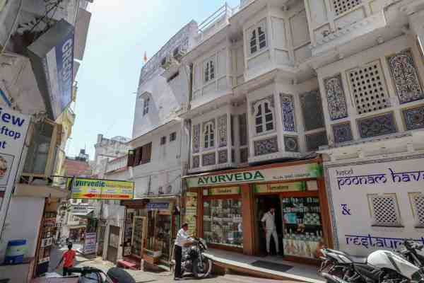 things to do in Udaipur massage