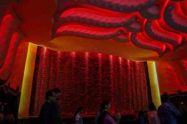 best way to see Jaipur Rajmandir Cinema Jaipur