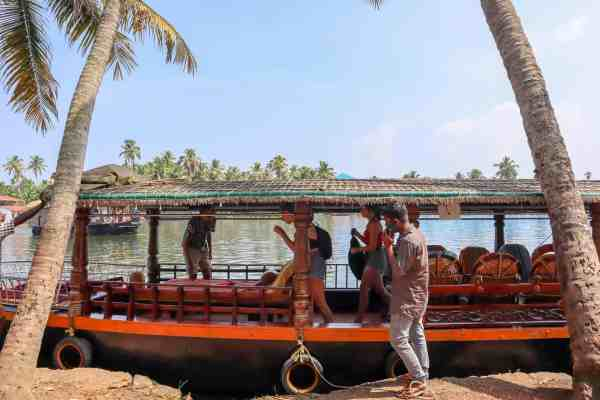 Kerala Backwaters from Alleppey Shikara