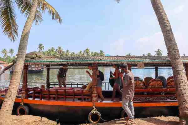 Kerala Backwaters from Alleppey Shikara