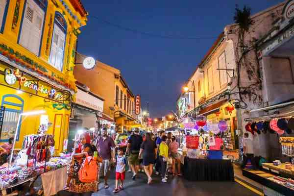 things to do in Melaka Malaysia jonker night market