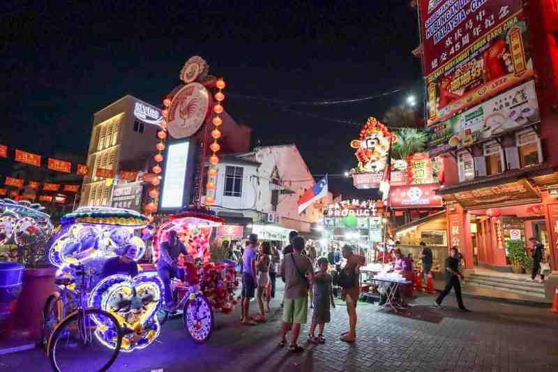 things to do in Melaka Malaysia, tricycle ride at night