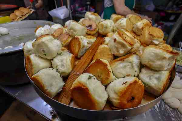 vegetarian food taiwan night markets stuffed bread