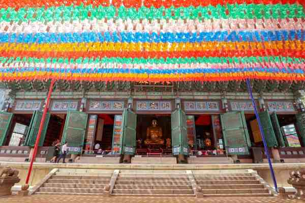 free things to do in Seoul - Jogyesa Temple Soeul