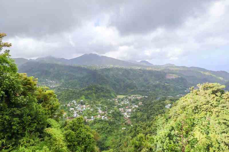 dominica travel guide, dominica mountain view