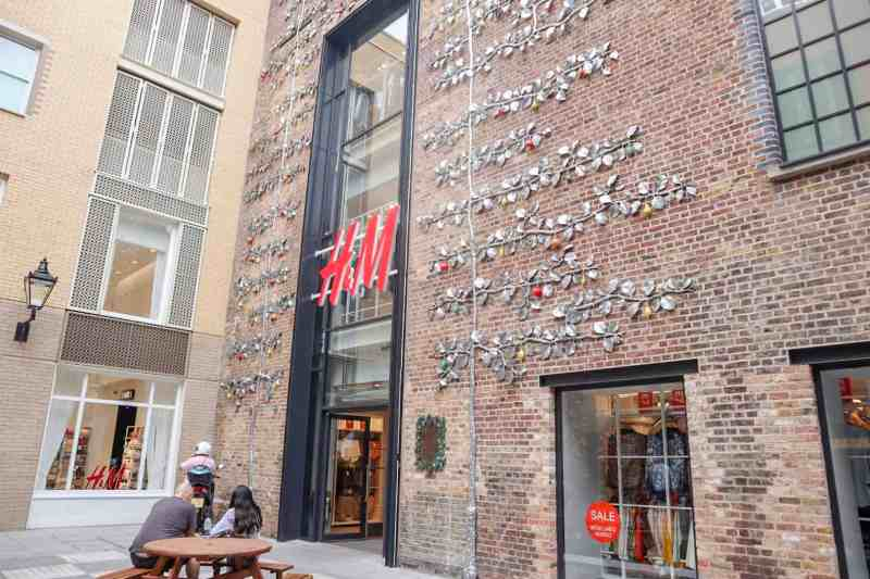 H&M in Covent Garden from outside | covent garden london guide