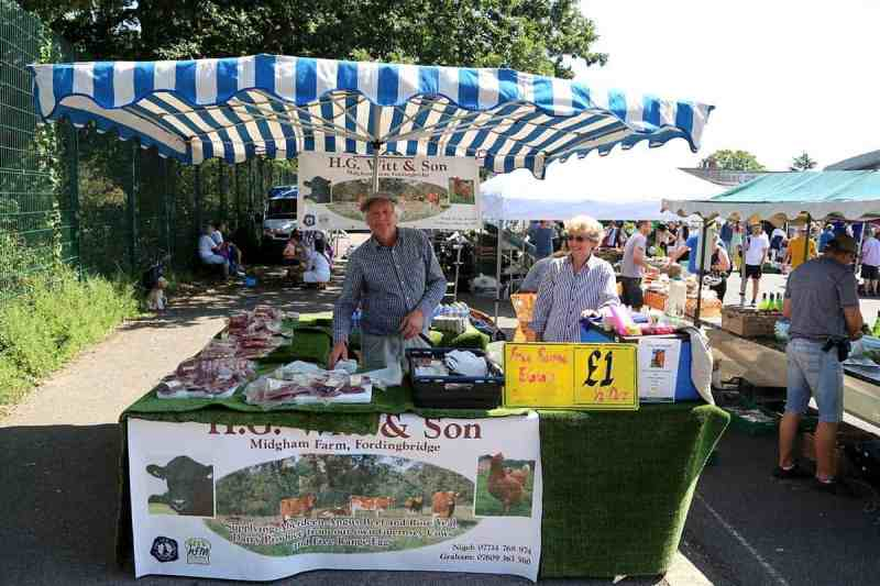 Stalls at the farmers market | things to do on hampstead heath