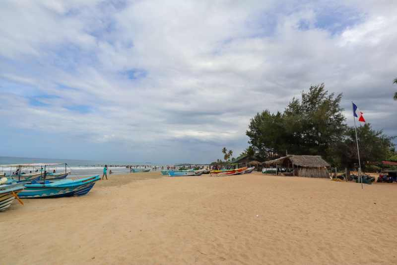 Sri Lanka in August, trincomalee Nilaveli clean beach with cloud
