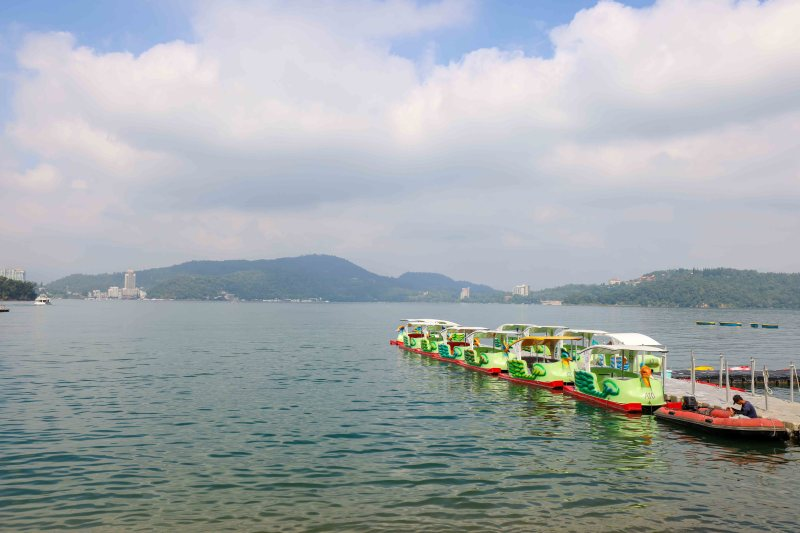 pedalo boats on sun moon lake day trip from Taichung