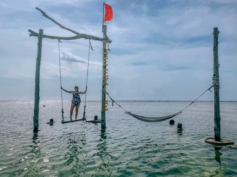 ellie quinn on the exile swing and hammock swing gili T